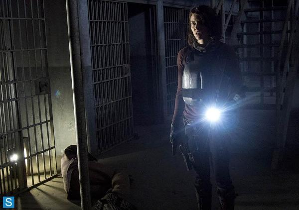 The-Walking-Dead-Episode-4.05-Internment-Promotional-Photos-2_FULL